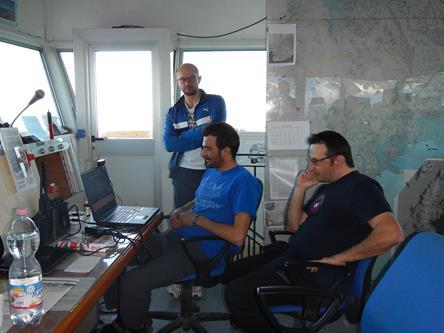 Durante il videocollegamento ricercatori e personale logistico hanno spiegato la loro attività in Antartide. Copyright PNRA.