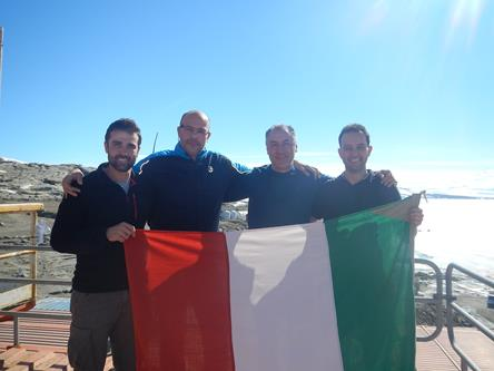 La sala operativa al completo: Angelo, Christian, Franco e Alessio. Copyright PNRA.