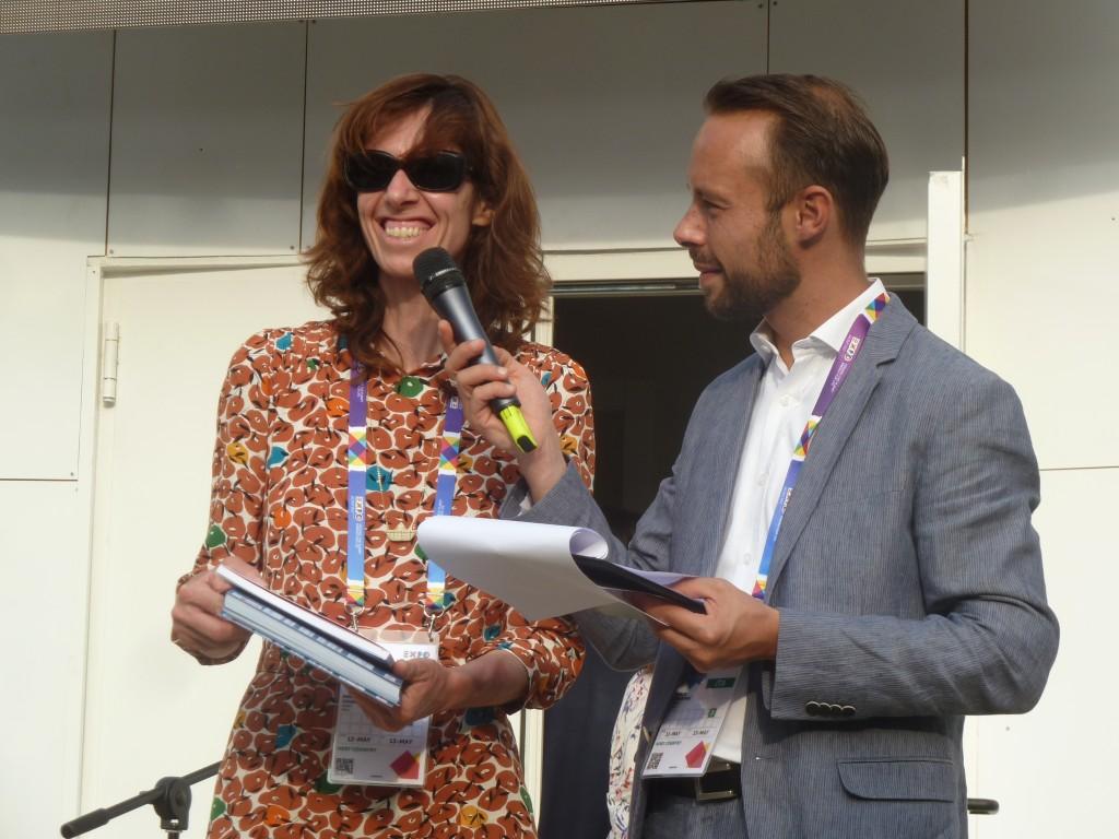 """La docente """"polare"""" Piera Ciceri alla fine della rappresentazione. Un vero successo!!"""